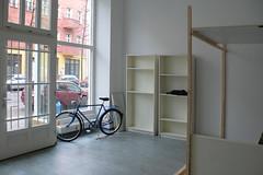 Ausbau (velostat.) Tags: blau mifa fahrrad ausbau verkaufsraum 201204 velostat cvelostat13086berlinlanghansstrase6