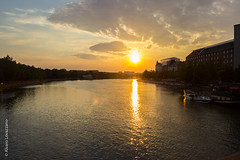 Helsinki (alovazzano) Tags: viaje sunset lake sol water canon lago atardecer agua europa europe finlandia t3i helsinsky kaisaniemenlahti