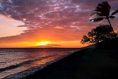 Sunset (Um Berto) Tags: sunset hawaii coast maui