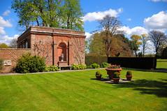 DSC_5907 (Thomas Cogley) Tags: park england brick nature urn garden kent hole thomas alcove rolvenden cogley thomascogley
