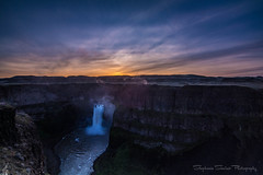 Daybreak (Stephanie Sinclair) Tags: statepark sunrise waterfalls palousefalls washingtonstateofficialwaterfall stephaniesinclairphotography seattleempress