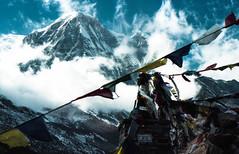 (Ntwan) Tags: nepal film trek 50mm kodak voigtlander bessa himalaya katmandu portra pokhara annapurna mhexanon