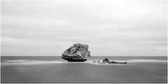 Mushroom rock, Point Peron (beninfreo) Tags: longexposure blackandwhite bw canon westernaustralia rockingham mushroomrock bw110 pointperon bw30nd