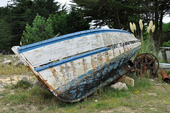 Étel - Rust, Blues and Whites (Drriss & Marrionn) Tags: travel france boats boat brittany ship outdoor ships bretagne shipwreck wreck drydock westerneurope boatrepair étel