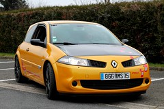 Renault Megane II RS R26-R (seb !!!) Tags: auto black france cars yellow jaune canon french photo coach frankreich automobile noir foto image negro picture frana du voiture preto renault amarillo amarelo gelb giallo ii sirius hood seb gt bild schwartz rs francia nero franais imagen coup capot imagem megane automvil francs franzsisch nurburgring wagen ronde francs 2016 automobil capucha automvel franaise cap francese vexin cappuccio 1100d gargenville abzugshaube r26r