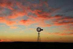 Big Sky Country (Explored 19/3/16) (Alan McIntosh Photography) Tags: sunset colour windmill silhouette downs landscape farm darling toowoomba