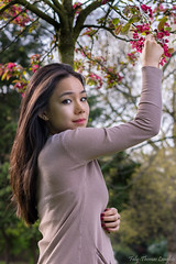 Octavia (Faly-Thomas Langlois) Tags: park portrait sun paris france colors girl beautiful canon garden person 50mm vacances soleil spring day bokeh outdoor pastel jardin jour shooting extrieur fille parc printemps personne holydays lightroom 760d