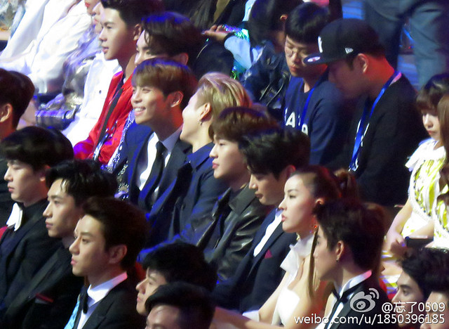 160329 SHINee @ 2016 KU Asia Music Awards' 26100999852_bb1237e681_z