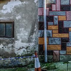 silencios urbanos (eMecHe) Tags: espaa muro verde textura azul ventana pared casa trabajo rosa asturias colores amarillo cinta obra cudillero mitad abandonado pirulo bajante mamposteria