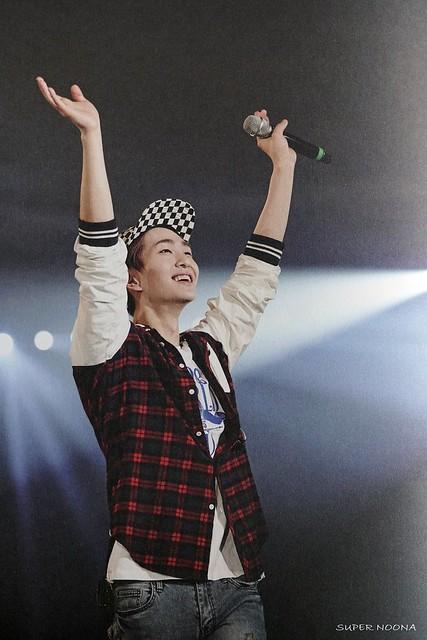 160421 SHINee @ Photobook SHINee World Concert IV 26621190136_30e8f2d382_z