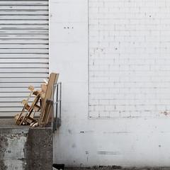 Decorating a white wall. (zeh.hah.es.) Tags: white facade grey schweiz switzerland beige zurich gray grau zrich weiss palette fassade kreis5 maagareal