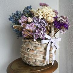 Flores para San Valentin - Reto Formato Cuadrado (Micheo) Tags: basket hobby cesta driedflowers floressecas cesto elblogdelfotografo mylifebeforephotography retoformatocuadrado