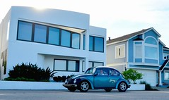 Cool (The Wild Roam Free) Tags: california car vw bug volkswagen monterey beetle pacificcoast hwy1 modernhouse