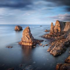 miradas al mar XXV (Chus Rodriguez) Tags: marina paisaje le rocas cantabria lansdcape urros losurros