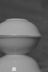 Only Bowls #5 (honiigsonne) Tags: white black indoor bow dishes makro schssel schwarz tableware schrfentiefe keramik geschirr weis schsseln einfarbig minimalistisch minimalismus