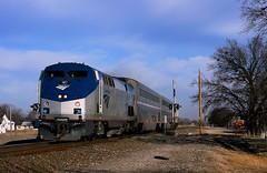 Amtrak's Pocket Superliner (Jeff Carlson_82) Tags: railroad oklahoma car train railway amtrak cabbage passenger ok ge 187 railfan bnsf 821 wynnewood passengertrain superliner burlingtonnorthernsantafe p42 heartlandflyer amtk 90222 redrocksub pikesized