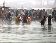 Pilgrims bathing in the Sarayu River (David Clay Photography) Tags: india bathing hindu pilgrimage pilgrim sarayu ayodhya