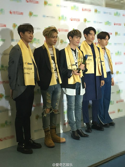 160328 ‎SHINee @ '23rd East Billboard Music Awards' 25521008654_45e9ecbcb1_z