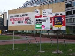 Utrecht: Referendum Billboard (harry_nl) Tags: netherlands utrecht nederland ukraine billboard sp referendum europeanunion d66 2016 europeseunie oekrane raadgevend associatieovereenkomst associationagreement