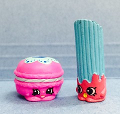 82/365/4 (f l a m i n g o) Tags: toys march collection macaroon 14th monday churro 2016 shopkins project365 365days