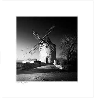Old windmill, Goult