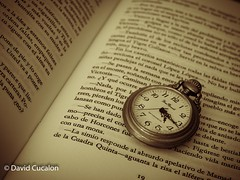 Reading (David Cucaln) Tags: blackandwhite stilllife macro blancoynegro book leer letters watch libro read bodegn letras fineartphotography naturalezamuerta cucalon relojantiguo davidcucalon