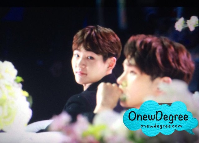 160328 Onew @ '23rd East Billboard Music Awards' 26012379962_273225758e_z