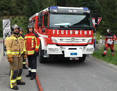 Liechtenstein Fire Brigade - Firefighters (Hellebardius) Tags: feuerwehr bomberos firedepartment pompiers firefighers vigilidelfuoco pompiere feuerwehrleute servicedesincendies brandweerlieden firefightersliechtenstein