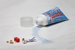 Rutschgefahr (Fusselhirnchen) Tags: people little tiny makro figuren noch modellbau faller merten preiser h0 miniaturen pppies miniaturwelten