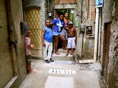 Felizes com melhorias na drenagem (CatComm | ComCat | RioOnWatch) Tags: brazil water gua brasil riodejaneiro sewage favela picapau esgoto cordovil