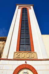 Millennium Cliff Lift / Broadstairs (Images George Rex) Tags: uk england kent 2000 unitedkingdom britain thanet broadstairs vikingbay clifflift beachlift broadstairsbeach thanetdistrictcouncil imagesgeorgerex photobygeorgerex beachelevator millenniumclifflift