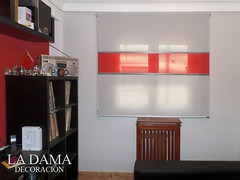 "Enrollable Screen Colección Pasarella Gris/Rojo/gris • <a style=""font-size:0.8em;"" href=""http://www.flickr.com/photos/67662386@N08/26725913495/"" target=""_blank"">View on Flickr</a>"