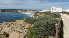 Promontorio de Sagres (daniel EGV) Tags: ocean sea mer beach portugal water seaside sable cliffs atlantic algarve plage sans falaises sagres altantique