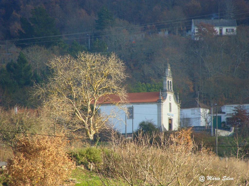 Águas Frias (Chaves) - ... a igreja matriz ...