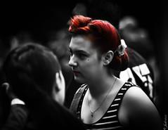 DSC_0798 (La Marquise de Jade) Tags: red woman white black color monochrome rouge gris noir noiretblanc femme extérieur blanc couleur poeple sélective eprsonne