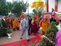SSDL Lama Gyourmé Public devant le stupa