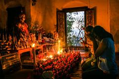 Women praying at Wat Chom Si, Luang Prabang, Laos ルアンパバーン、プーシーの丘の寺院で祈る女性たち (travelingmipo) Tags: people temple photo worship asia southeastasia buddha buddhist hill prayer buddhism mount 寺院 laos 寺 luangprabang 写真 phousi louangphrabang phusi ラオス 海外旅行 東南アジア ルアンパバーン ルアンプラバン watchomsi プーシー ຫຼວງພຣະບາງ プーシーの丘