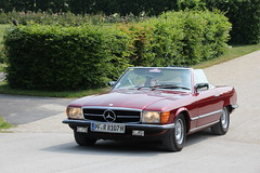driving with the historic Mercedes SL (2) (BZK2011) Tags: canon sigma sl mercedesbenz dslr cabrio ludwigsburg cabriolet r107 18250 eos100d
