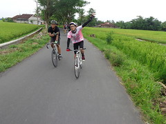 Morning Ride (Gearmati Jember) Tags: fixedgear gmt brakeless jember bikepacker gearmati