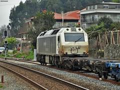333 (firedmanager) Tags: train tren diesel galicia locomotive 333 prima alstom locomotora renfe trena emd dieselelectric vossloh railtransport electromotivediesel renfemercancías