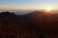 Haleakala sunrise (Sean Munson) Tags: sunrise hawaii nationalpark maui haleakala haleakalanationalpark