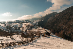 Peste munti si vai (Alexandru Matei) Tags: winter white mountain snow forest fence landscape casa alba outdoor fluffy mountainside alb brasov gard pestera matei hous munte alexandru iarna zapada padure ninsoare mapbv 40773835344