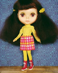 Anouk rocks the big hair and vintage Francie ☺
