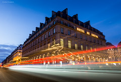 Paris (Julianoz Photographies) Tags: paris france trafficlight europe trails bluehour capitale louvres htel nikond610 julianozphotographies nikkorafs1835mmf3545ged