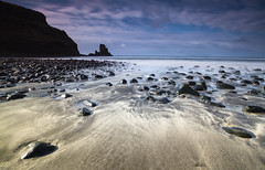 Talisker Bay (the CAMera of ian CAMpbell; simple) Tags: sea skye beach water canon bay sand rocks filter isle nuance talisker cokin camcam
