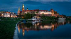 014 (davecurry8) Tags: reflection castle night river hill poland krakow wawel palace bluehour cracow vistula