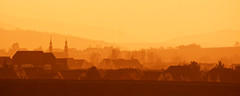 Molsheim Alsace (Bruno MATHIOT) Tags: shadow orange house france church nature colors silhouette yellow jaune canon french landscape eos couleurs shades paysage maison eglise nuances 650d 55250