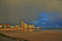 Boulevard Vlissingen (Omroep Zeeland) Tags: regenboog boot boulevard natuur zeeland zee zon vlissingen donkerelucht