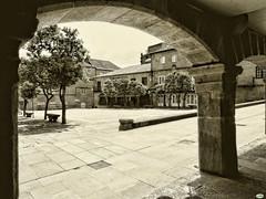 Pontevedra-Plaza del Teucro (juantiagues) Tags: plaza pontevedra teucro juanmejuto juantiagues