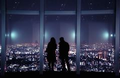 Couple watching the Tokyo skyline (Davide Seddio) Tags: city people japan skyline night tokyo couple asia roppongihills fareast eastasia moritowers